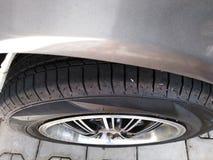 Nueva foto 3 del primer del neumático de coche imagen de archivo