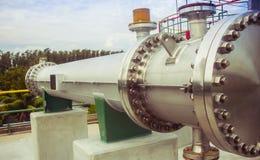 Nueva instalación de equipo en fábrica de productos químicos foto de archivo