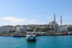 Nueva mezquita (Yeni Cami) del río de Bosphorus Imagen de archivo