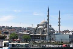 Nueva mezquita (Yeni Cami) del río de Bosphorus Fotografía de archivo