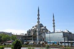 Nueva mezquita Yeni Cami del río de Bosphorus Imagen de archivo libre de regalías