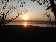 Nueva sorpresa de la salida del sol del invierno Imagen de archivo libre de regalías