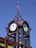 Nueva torre de reloj fotografía de archivo