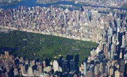 Nueva York Central Park y Manhattan del aire Foto de archivo libre de regalías