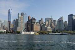 Nueva York con la opinión del mar Ciudad grande hermosa en el mundo Foto de archivo libre de regalías