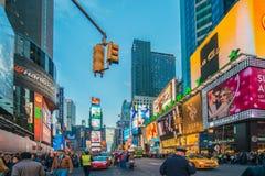 Nueva York - 22 de diciembre de 2013: Times Square encendido Imagen de archivo libre de regalías