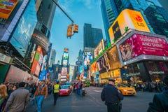 Nueva York - 22 de diciembre de 2013: Times Square encendido Fotografía de archivo libre de regalías