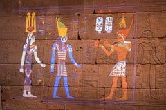 NUEVA YORK, los E.E.U.U. - 22 de abril de 2017 - usando la luz proyectada para restaurar color en el templo de Dendur fotografía de archivo libre de regalías
