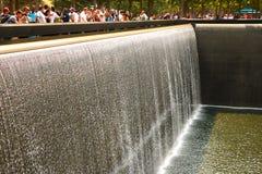 Nueva York, los E.E.U.U. - 2 de septiembre de 2018: El monumento en el World Trade Center Ground Zero el monumento fue dedicado e imagen de archivo