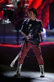 NUEVA YORK, NY - 13 DE NOVIEMBRE: El músico Patrick Stump de la banda Fall Out Boy se realiza Fotografía de archivo