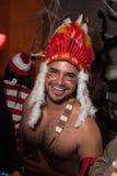 NUEVA YORK, NY - 31 DE OCTUBRE: Las huéspedes en los trajes mascaraed que presentan en la moda van de fiesta durante el evento de Fotos de archivo libres de regalías