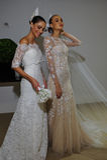 NUEVA YORK, NY - 13 DE OCTUBRE: Los modelos hacen el modelado informal en Carolina Herrera Bridal Presentation Fotos de archivo