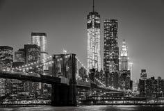"""Nueva York por noche Puente de Brooklyn, negro del †del Lower Manhattan """" Fotos de archivo"""
