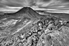 Nueva Zelanda: El Mt Ngauruhoe, parque nacional de Tongariro es Mordor Imagen de archivo