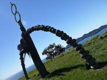 Nueva Zelanda: Monumento de Rainbow Warrior de la bahía de Matauri Foto de archivo libre de regalías