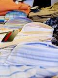 Nuevas camisas del Mens imágenes de archivo libres de regalías