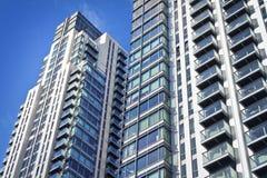Nuevas construcciones de viviendas ejecutivas. Foto de archivo libre de regalías