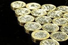 Nuevas monedas de libra británica Imágenes de archivo libres de regalías