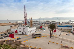 Nuevas terminales de viajeros bajo construcción en el puerto de Tánger, África Imagen de archivo libre de regalías