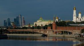 Nuevas vistas de la Moscú el Kremlin Imagen de archivo libre de regalías