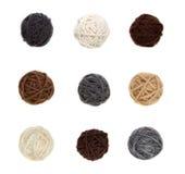Nueve diversas bolas de hilado en colores neutrales Foto de archivo