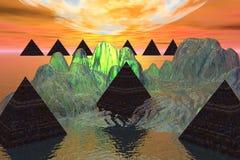 Nueve pirámides sobre el hielo que brilla intensamente Foto de archivo