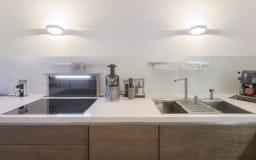 Nuevo apartamento contemporáneo y limpio Imagen de archivo libre de regalías