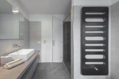 Nuevo apartamento contemporáneo y limpio Fotografía de archivo