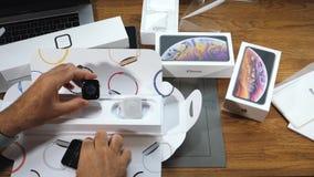 nuevo Apple mira el iPhone de la serie 4 anticuado metrajes