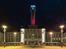 Nuevo ayuntamiento de Ostrava en la iluminación de la Navidad, República Checa Imagen de archivo libre de regalías