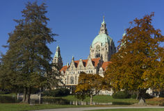 Nuevo ayuntamiento la ciudad en Hannover imágenes de archivo libres de regalías