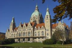 Nuevo ayuntamiento la ciudad en Hannover Foto de archivo