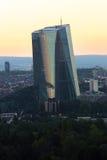 Nuevo Banco Central Europeo en Francfort Alemania por la tarde fotografía de archivo libre de regalías