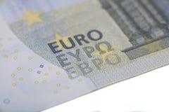 Nuevo billete de banco del euro cinco Imágenes de archivo libres de regalías