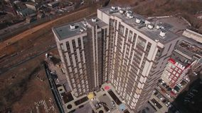 Nuevo bloque de viviendas y panorama de Moscú, visión aérea en primavera Rusia metrajes