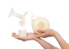 Nuevo breastpump eléctrico compacto para la bomba de amamantamiento Imágenes de archivo libres de regalías
