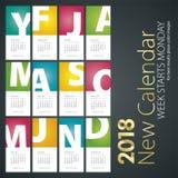 Nuevo calendario de escritorio fondo del retrato de 2018 letras mayúsculas del mes Imagen de archivo libre de regalías