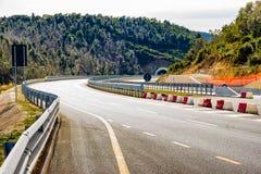 Nuevo camino construido entre Grosseto y Siena en Toscana, Italia imagen de archivo