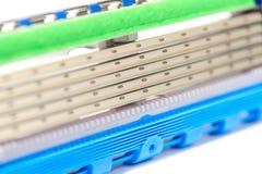 Nuevo cartucho agudo de la maquinilla de afeitar de seguridad de la cinco-cuchilla Imagen de archivo
