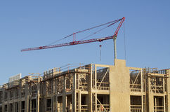 Nuevo complejo de apartamentos bajo construcción Foto de archivo libre de regalías