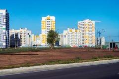 Nuevo complejo residencial con los edificios altos Fotografía de archivo libre de regalías