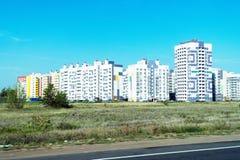 Nuevo complejo residencial con los edificios altos Foto de archivo libre de regalías