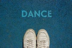 Nuevo concepto de la vida, lema de motivación con danza de la palabra por motivo de la manera del paseo fotos de archivo libres de regalías