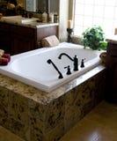 Nuevo cuarto de baño casero hermoso Imagen de archivo libre de regalías
