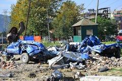 Nuevo daño del coche después del desastre del terremoto Imágenes de archivo libres de regalías