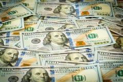 Nuevo diseño 100 cuentas o notas de los E.E.U.U. del dólar Fotos de archivo libres de regalías