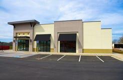Nuevo edificio comercial Imagenes de archivo