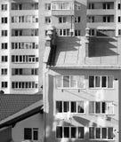 Nuevo edificio de apartamentos imagenes de archivo