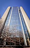 Nuevo edificio de oficinas en centro de negocios Imagen de archivo