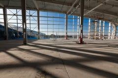 Nuevo edificio del aeropuerto imagenes de archivo